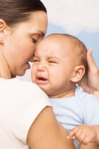Ребенок курящей матери чаще капризничает