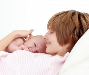 Молозиво очень ценно и для малыша, и для его мамы