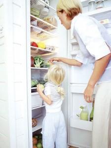 Пополняйте холодильник разнообразными и полезными продуктами для кормящей мамы